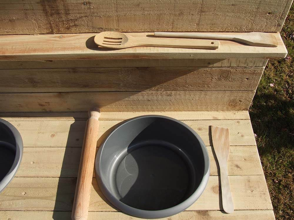 Mud Kitchen Top Shelf & Plastic Bowl