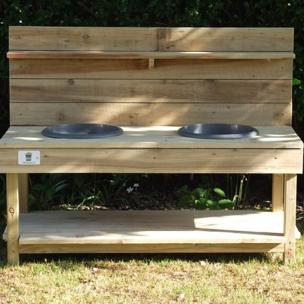 Mud kitchen with 2 plastic bowl